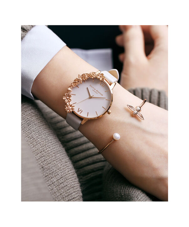 OLIVIA BURTON LONDON  Pearl Bee Bangle Rose Gold  OBJ16AMB37 – Pearl Bee Bangle - Side view
