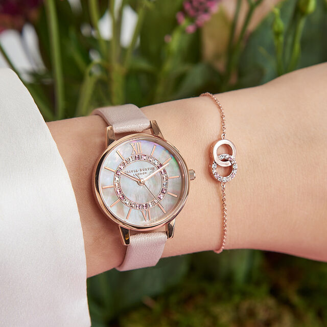 Wonderland Pearl Pink, Rose Gold Watch & Classics Interlink Bracelet Gift Set