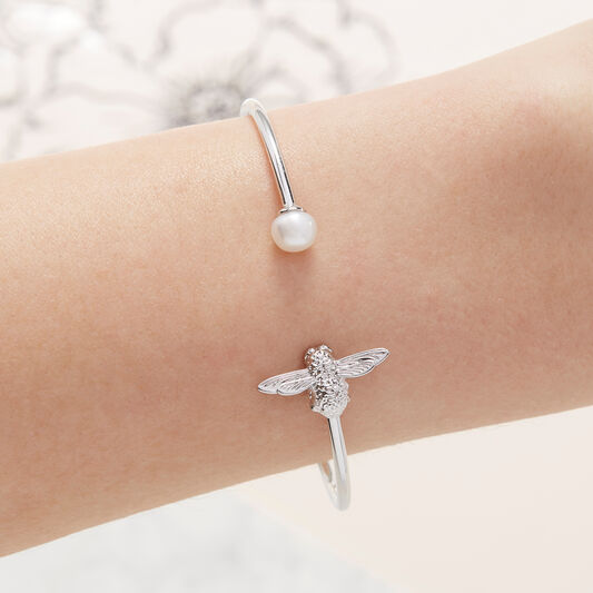 Pearl Bee Bangle Silver