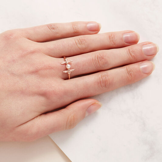 Pearl Bee Rose Gold Ring L